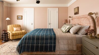 Photo of For your bedroom, here are six of the greatest interior painting schemes.